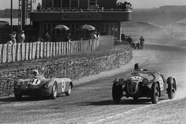 Le Mans, France. 25th - 26th June 1949.A. Lachaize/A. Debille (#41 D B.), 16th position, passes H. J. Aldington/Norman Culpan (#26 Frazer Nash Le Mans), 3rd position, action. World Copyright: LAT Photographic.Ref: 49 - 17 - 41.