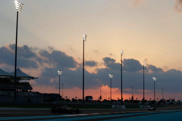 Yas Marina Circuit, Abu Dhabi, United Arab Emirates. Friday 27 November 2015. Romain Grosjean, Lotus E23 Mercedes. World Copyright: Charles Coates/LAT Photographic ref: Digital Image _99O7104