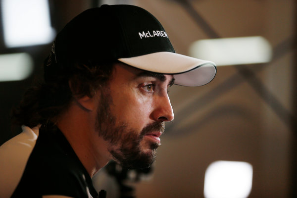 Suzuka Circuit, Suzuka, Japan.  Saturday 26 September 2015. Fernando Alonso, McLaren. World Copyright: Steven Tee/LAT Photographic ref: Digital Image _X0W0753