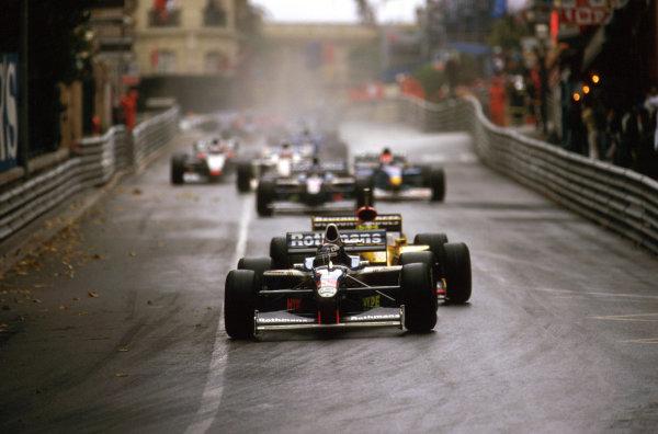 Monte Carlo, Monaco.8-11 May 1997.Heinz-Harald Frentzen (Williams FW19 Renault) at Mirabeau. He failed to finish after hitting the barriers.Ref-97 MON 08.World Copyright - LAT Photographic