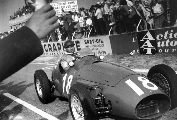 1953 French Grand Prix.Reims, France. 3-5 July 1953.Juan Manuel Fangio (Maserati A6GCM), 2nd position, action.World Copyright - LAT Photographic.Ref: B/W Print