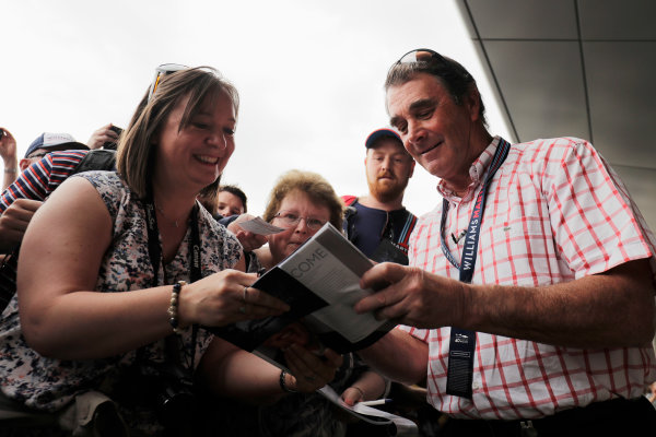 Williams 40 Event Silverstone, Northants, UK Friday 2 June 2017. Nigel Mansell signs autographs for fans. World Copyright: Zak Mauger/LAT Images ref: Digital Image _56I9981