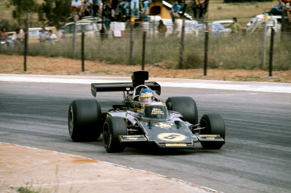 Kyalami, South Africa. 27th February - 1st March 1975. Ronnie Peterson (Lotus 72E-Ford), 10th position, action.  World Copyright: LAT Photographic. Ref: 75SA07.