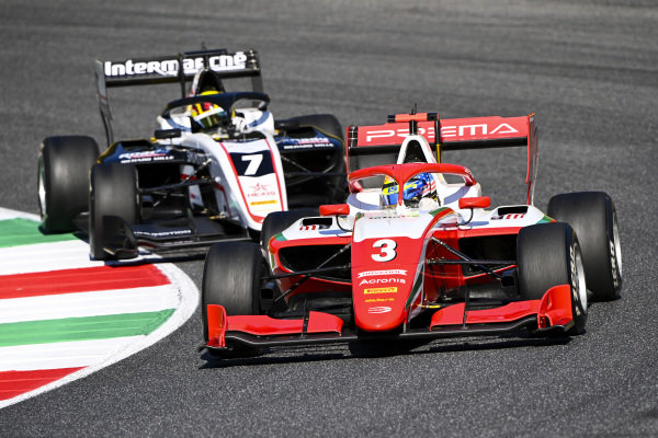Logan Sargeant (USA, PREMA RACING) and Theo Pourchaire (FRA, ART GRAND PRIX)