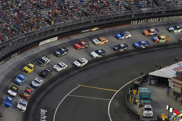 #9: Chase Elliott, Hendrick Motorsports, Chevrolet Camaro Hooters Spirits an d #42: Kyle Larson, Chip Ganassi Racing, Chevrolet Camaro Credit One Bank