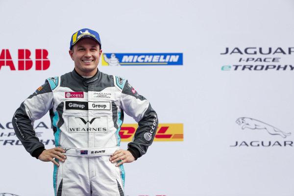 Simon Evans (NZL), Team Asia New Zealand, 3rd position, on the podium