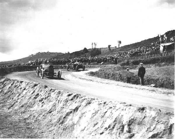 Lyons, France.4 July 1914.Jean Chassagne (Sunbeam) leads Jules Goux (Peugeot EX5). Goux finished in 4th position.Ref: Autocar Glass Plate 1234.World Copyright - LAT Photographic