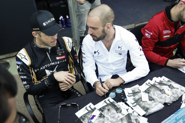 Andre Lotterer (DEU), DS TECHEETAH, and Jean-Eric Vergne (FRA), DS TECHEETAH, sign autographs for fans