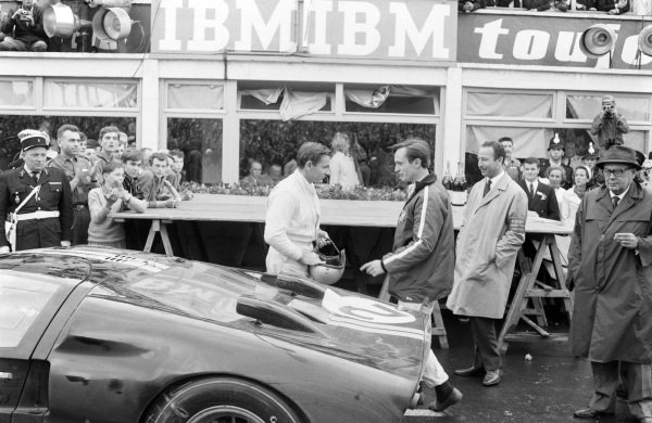 Bruce McLaren and Chris Amon.