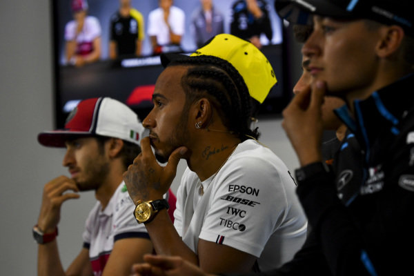 George Russell, Williams Racing, Lewis Hamilton, Mercedes AMG F1 and Antonio Giovinazzi, Alfa Romeo Racing in the Press Conference