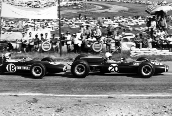 1967 South African Grand Prix Kyalami, South Africa. 2 January 1967 Luki Botha, Brabham BT11-Climax, not classified, leads Sam Tingle, LDS Mk3-Climax, retired, action World Copyright: LAT PhotographicRef: 1460 #39A