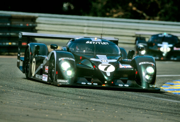 Le Mans, France. 14th - 15th June 2003.The winning Bentley of Kristensen, Capello and Smith.World Copyright: Mike Weston/LAT Photographic.Ref:  03LM17.