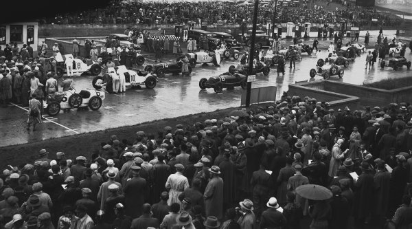 Nurburgring, Germany. 19th July 1931. The Group 1 cars on the grid before the start of the race. World Copyright: LAT Photographic. Ref:  Autocar Glass Plate B6821