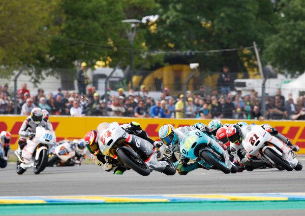 2016 MotoGP Championship.  French Grand Prix.  Le Mans, France. 6th - 8th May 2016.  Moto3.  Tatsuki Suzuki, Mahindra, leads Joan Mir, KTM, and Francesco Bagnaia, Mahindra.  Ref: _W7_8953a. World copyright: LAT Photographic