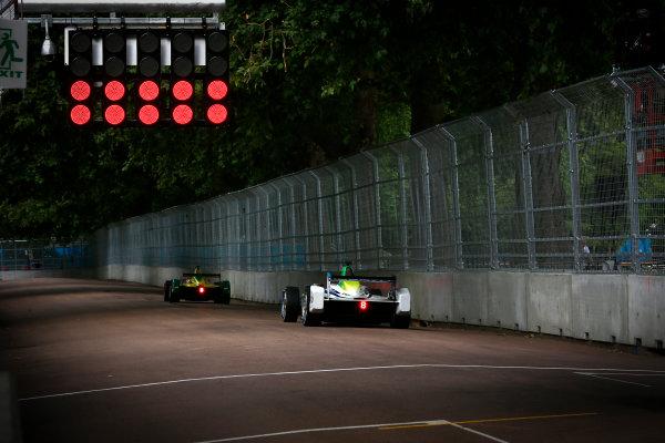 2014/2015 FIA Formula E Championship. London e-Prix, Battersea Park, London, UK. Sunday 28 June 2015. Jarno Trulli (ITA)/Trulli Racing - Spark-Renault SRT_01E  World Copyright: Adam Warner/LAT Photographic/Formula E. ref: Digital Image _L5R1270
