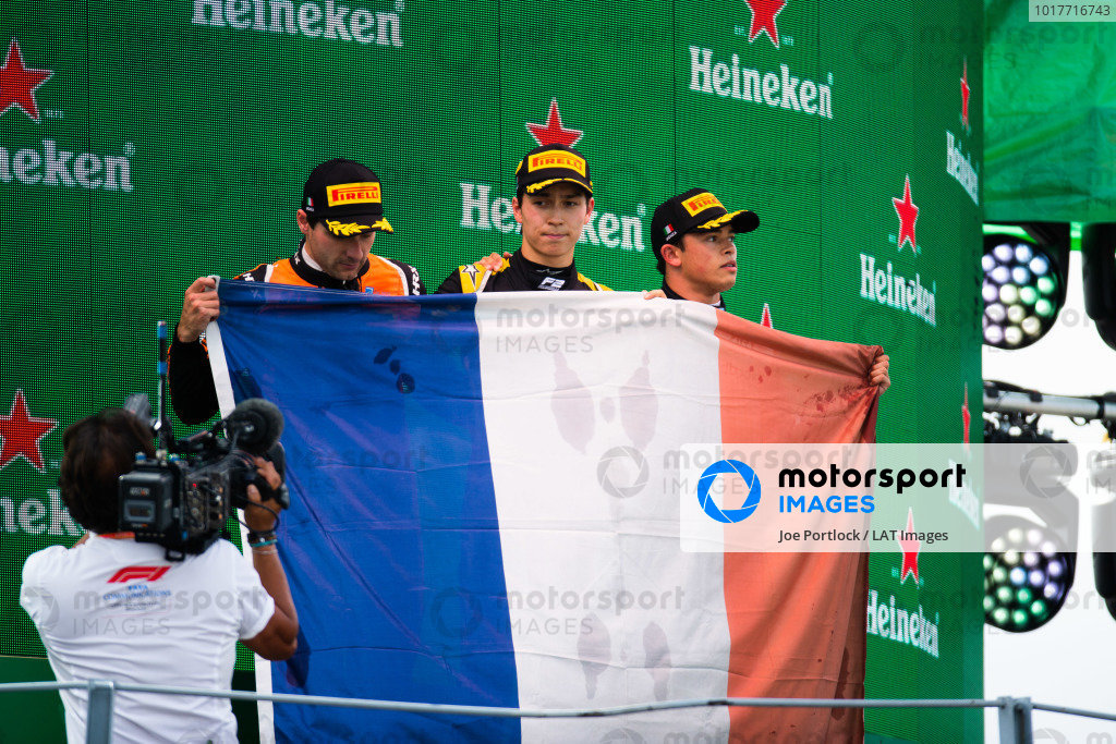 AUTODROMO NAZIONALE MONZA, ITALY - SEPTEMBER 08: Jack Aitken (GBR, CAMPOS RACING) Nyck De Vries (NLD, ART GRAND PRIX) and Jordan King (GBR, MP MOTORSPORT) during the Monza at Autodromo Nazionale Monza on September 08, 2019 in Autodromo Nazionale Monza, Italy. (Photo by Joe Portlock / LAT Images / FIA F2 Championship)