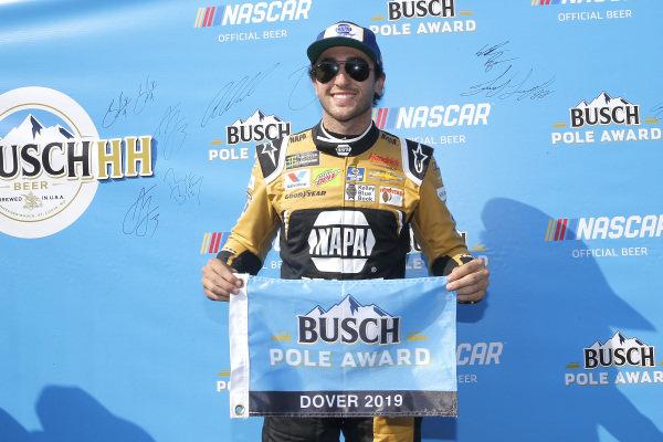#9: Chase Elliott, Hendrick Motorsports, Chevrolet Camaro NAPA Brakes pole award