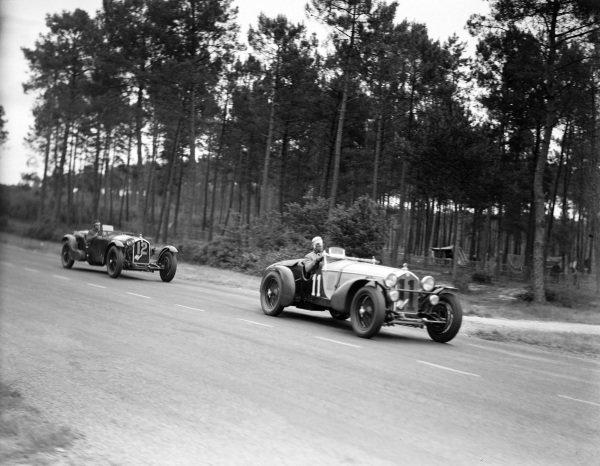 Raymond Sommer / Tazio Nuvolari, Alfa Romeo, Alfa Romeo 8C 2300 MM, leads Brian Lewis / Tim Rose-Richards, A.W. Fox, Alfa Romeo 8C 2300.