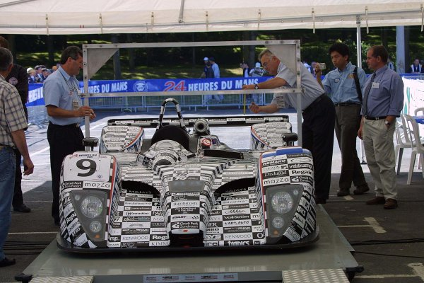 2001 Le Mans 24 HoursLe Mans, France. 13th June 2001.Racing for Holland Dome S101 Judd undergoes technical inspection for the 24 Hours of Le MansWorld Copyright: John Brooks/LAT Photographicref: Digital Image Only