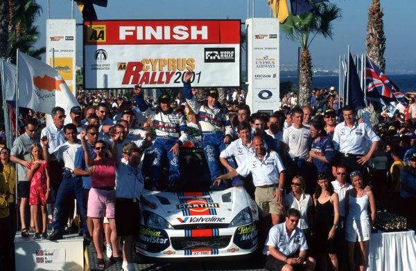 Ford Team celebrate victoryPhoto:McKlein