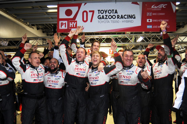 2017 FIA World Endurance Championship, Fuji, Japan. 13th-15th October 2017, Toyota celebrate the win World copyright. JEP/LAT Images
