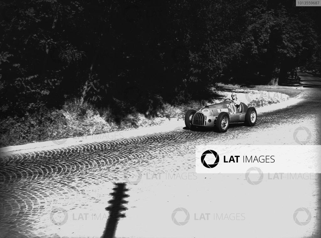 Bremgarten, Bern, Switzerland. 2-3 July 1949. Alberto Ascari (Ferrari 125), 1st position, action.  World Copyright: LAT Photographic. Ref:  Autocar Glass Plate C24779.