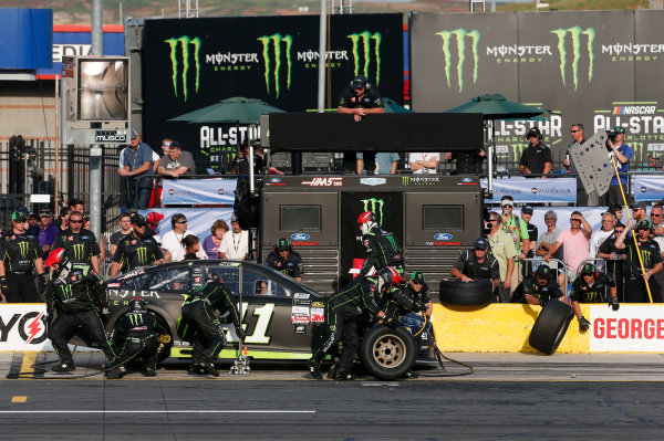 Monster Energy NASCAR Cup Series Monster Energy NASCAR All-Star Race Charlotte Motor Speedway, Concord, NC USA Friday 19 May 2017 Kurt Busch, Stewart-Haas Racing, Monster Energy Ford Fusion World Copyright: Matthew T. Thacker LAT Images ref: Digital Image 17CLT1mt1403