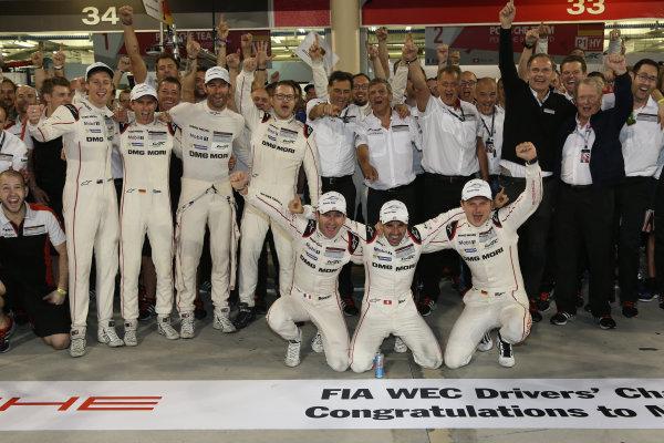 2016 FIA World Endurance Championship, Bahrain International Circuit, 17th-19th November 2016, Porsche Champions - Romain Dumas / Neel Jani / Marc Lieb - Porsche Team Porsche 919 Hybrid World Copyright. Jakob Ebrey/LAT Photographic