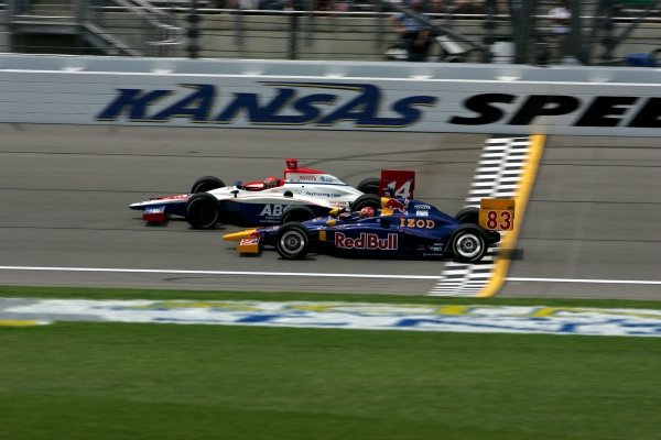 AJ Foyt IV (USA) Foyt Racing Dallara Toyota and Patrick Carpentier (CAN) Red Bull Cheever Racing Dallara Toyota, race in the Argent Mortgage 300.
