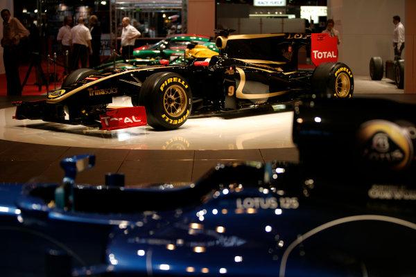 NEC, Birmingham. 13th January 2011.Lotus Renault GPWorld Copyright: Drew Gibson/LAT Photographicref: Digital Image _Y2Z0244