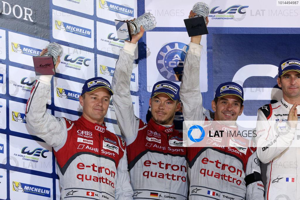 2015 FIA World Endurance Championship, Bahrain International Circuit, Bahrain. 19th - 21st November 2015. Marcel Fassler / Andre Lotterer / Benoit Treluyer Audi Sport Team Joest Audi R18 e-tron quattro. World Copyright: Jakob Ebrey / LAT Photographic.