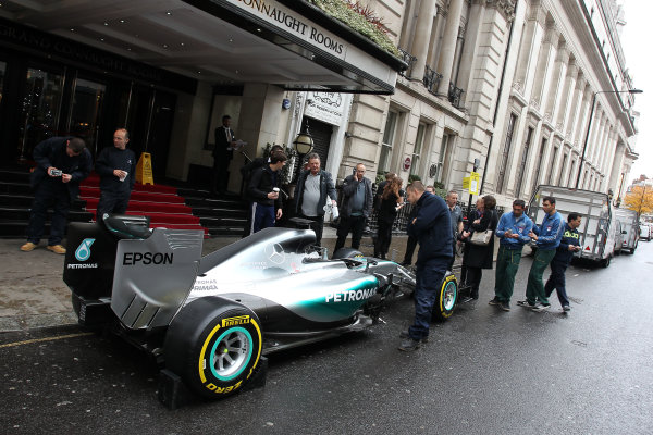 2015 British Racing Drivers Club Awards Grand Connaught Rooms, London Monday 7th December 2015 Lewis Hamilton's F1 Mercedes in the street outside the venue. World Copyright: Jakob Ebrey/LAT Photographic ref: Digital Image Mercedes-08 (2)