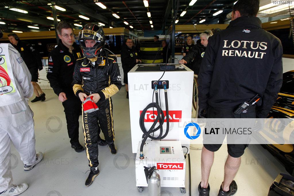 Albert Park, Melbourne, Australia 25th March 2011. Nick Heidfeld, Lotus Renault GP R31. Portrait. Helmets.  World Copyright: Andrew Ferraro/LAT Photographic ref: Digital Image _Q0C8390