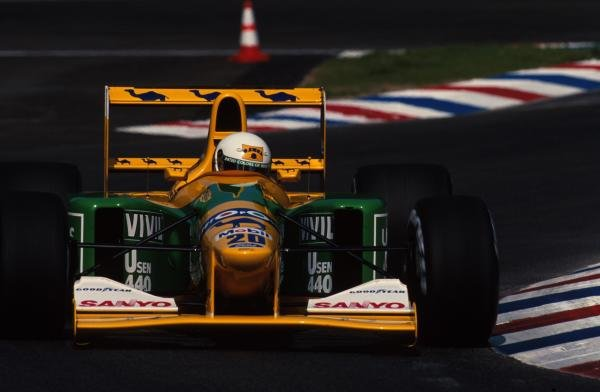 Martin Brundle (GBR) Benetton B192, 4th place.