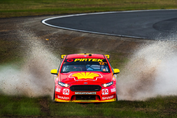 2017 Supercars Championship Round 5.  Winton SuperSprint, Winton Raceway, Victoria, Australia. Friday May 19th to Sunday May 21st 2017. Fabian Coulthard drives the #12 Shell V-Power Racing Team Ford Falcon FGX. World Copyright: Daniel Kalisz/LAT Images Ref: Digital Image 190517_VASCR5_DKIMG_3727.JPG