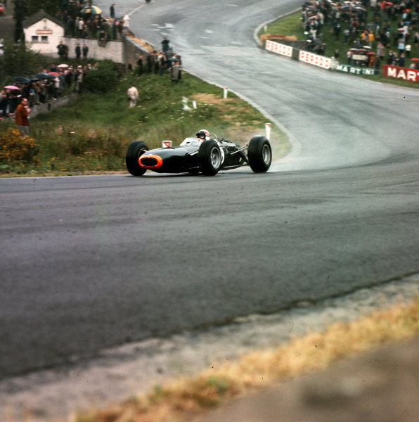 Spa-Francorchamps, Belgium.11-13 June 1965.Jackie Stewart (BRM P261) 2nd position at Eau Rouge.Ref-3/1694.World Copyright - LAT Photographic