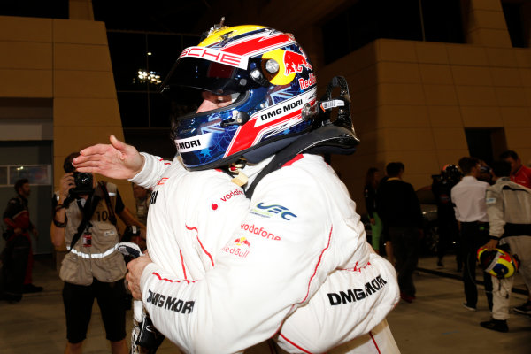 2015 FIA World Endurance Championship Bahrain 6-Hours Bahrain International Circuit, Bahrain Saturday 21 November 2015. Mark Webber (#17 LMP1 Porsche AG Porsche 919 Hybrid celebrates after winning the drivers championship. World Copyright: Alastair Staley/LAT Photographic ref: Digital Image _79P1319