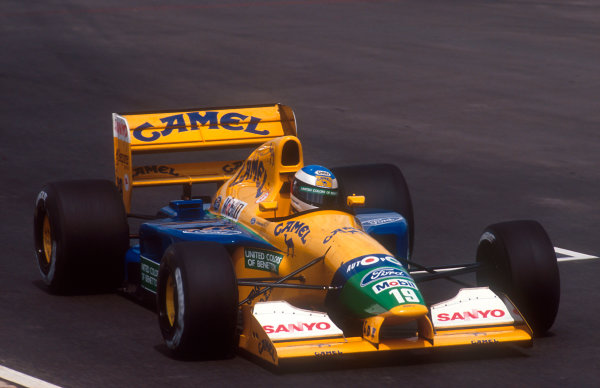 1992 South African Grand Prix.Kyalami, South Africa.28/2-1/3 1992.Michael Schumacher (Benetton B191B Ford) 4th position.Ref-92 SA 14.World Copyright - LAT Photographic