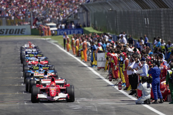 Right side of the grid preparing for the formation lap.