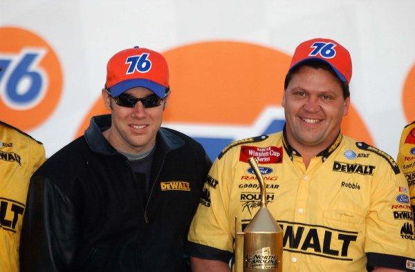 2002 NASCAR North Carolina,USA November 1-3, 2002 Pop Secret 400, North Carolina Speedway-Matt Kenseth and Robbie Reiser celebtrate the pit stop contest win,-Robt LeSieur2002LAT Photographic