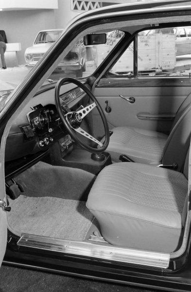 Triumph 2500 PI.