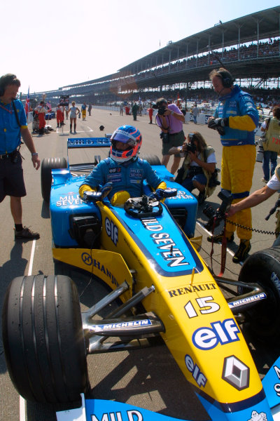 2002 American Grand Prix.Indianapolis, Indiana, USA. 27-29 September 2002.Jenson Button (Renault R202) on the grid prior to the start.World Copyright - LAT Photographicref: Digital File Only
