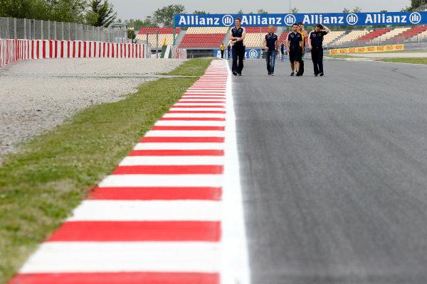 Circuit de Catalunya, Barcelona, Spain 9th May 2013 Valtteri Bottas, Williams F1, walks the track with team mates. World Copyright: Charles Coates/LAT Photographic ref: Digital Image _N7T7471