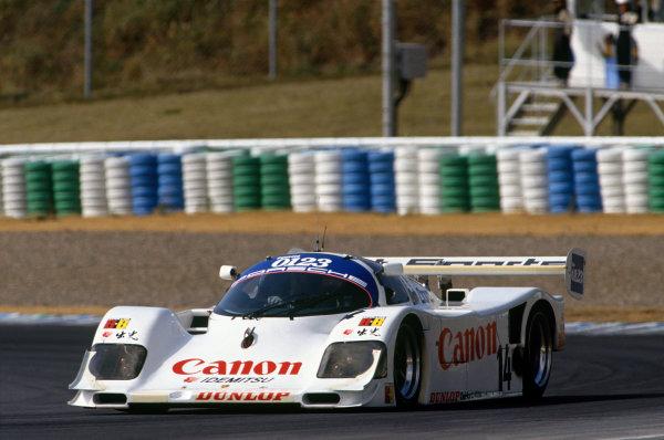 Autopolis 430 Kms. Autopolis, Japan. 28th October 1991. Rd 8. Roland Ratzenberger/Eje Elgh (Porsche 962C), retired, action. World Copyright: LAT Photographic. Ref:  91 SWC AUTO 04