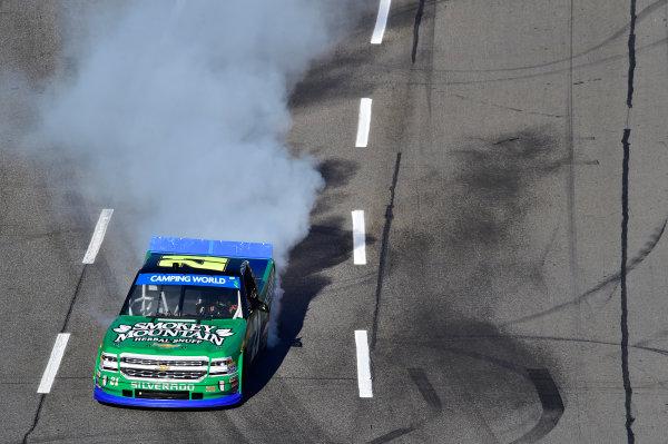 28-29 October, 2016, Martinsville, Virginia USA Johnny Sauter (21) wins the Camping World Truck Series race at Martinsville Speedway. ©2016, John Harrelson / LAT Photo USA