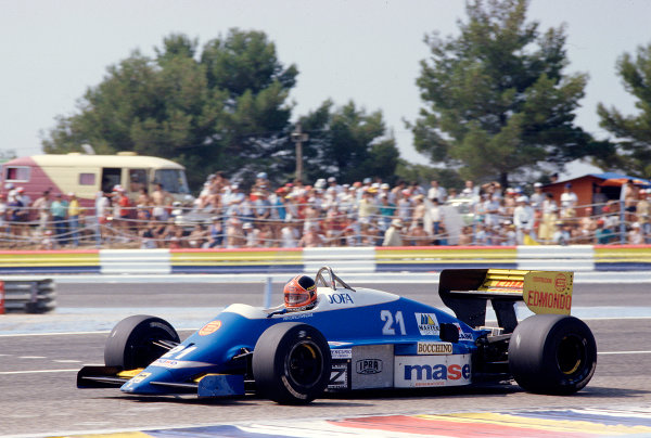 1986 French Grand Prix. Paul Ricard, Le Castellet, France. 4-6 July 1986. Piercarlo Ghinzani (Osella FA1H Alfa Romeo). Ref-86 FRA 35. World Copyright - LAT Photographic