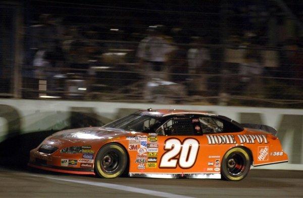 Tony Stewart (USA) secured the Nextel Cup title. NASCAR Nextel Cup, Rd36, Homestead-Miami Speedway, Florida, USA, 20 November 2005. DIGITAL IMAGE