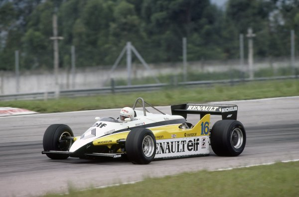 1982 Brazilian Grand Prix.Rio de Janeiro, Brazil. 19-21 March 1982.Rene Arnoux (Renault RE30B), retired.World Copyright: LAT PhotographicRef: 35mm transparency 82BRA03