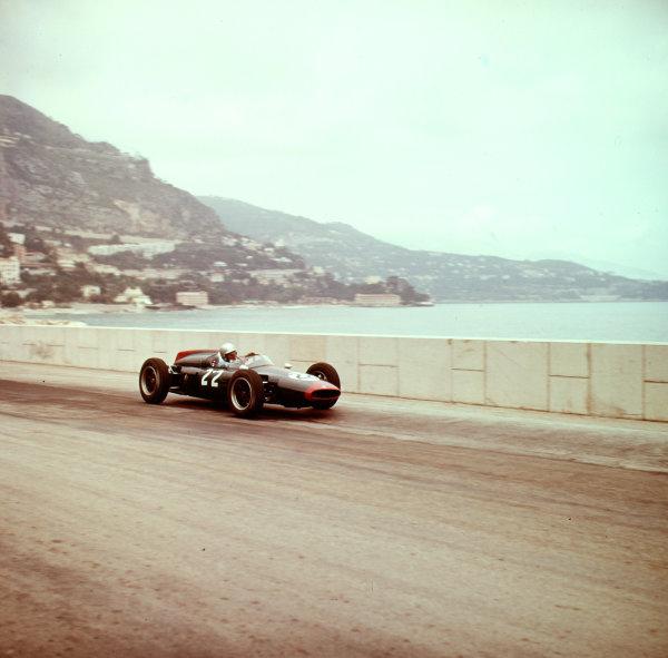 1961 Monaco Grand Prix.Monte Carlo, Monaco.11-14 May 1961.John Surtees (Cooper T53 Climax).Ref: 3/0263.World Copyright - LAT Photographic