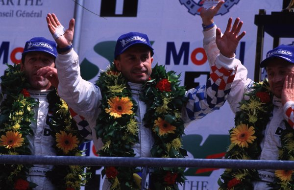 LE MANS 24 HOURS RACE.12-13/6/99. LE MANS, FRANCE.YANNICK DALMAS. BMW V12 LMR. 1st PLACE AND HIS 4th WIN IN THE EVENT.World - LAWRENCE/LAT PhotographicSomerset House, Somerset Road, Teddington, London. TW11 8RUTel: +44 (0)181 251 3000Fax: + 44 (0)181 251 3001